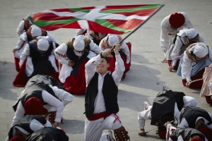 Antzinako Eguna dantzak