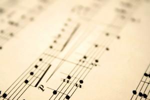 notas musicales en una partitura
